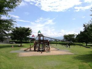 梓川ふるさと公園のすべり台