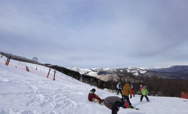 スキー板どうする?子どもはシーズンレンタル!親はチューンアップ+保管サービス!
