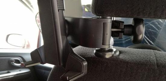 タブレットを車内で使うためのコスパの良い車載ホルダーとアマゾンビデオの活用方法