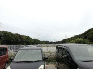 船橋市運動公園プールのテニスコート側の駐車場