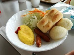 家族deサバイバルキャンプの朝食