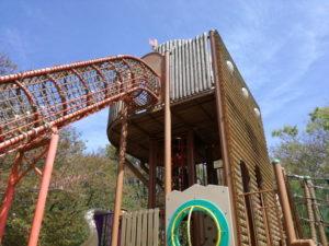 船橋アンデルセン公園のアスレチック滑り台